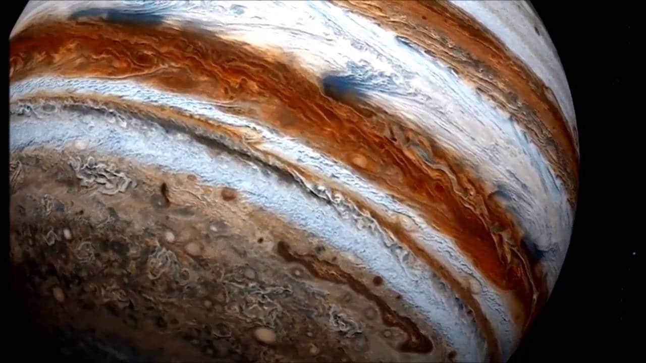 Qué-planeta-tiene-anillos-12