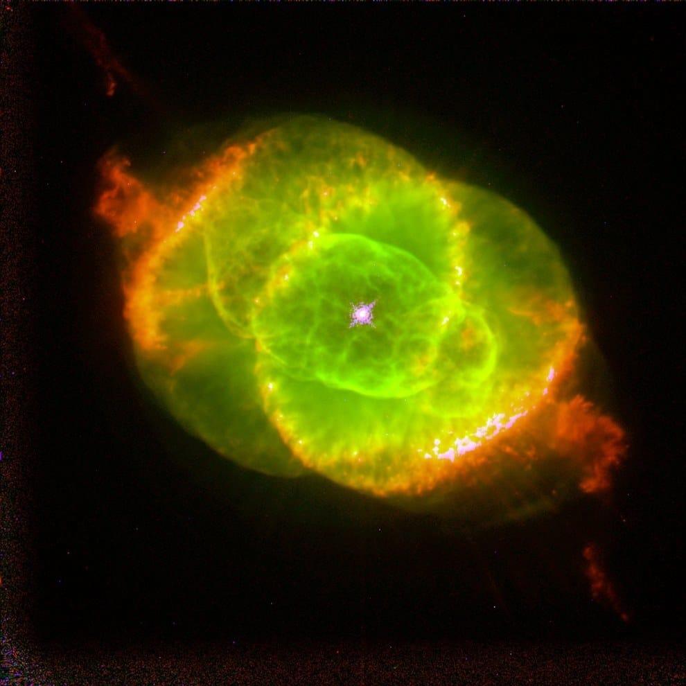 nebulosa ojo de gato es el final de una estrella