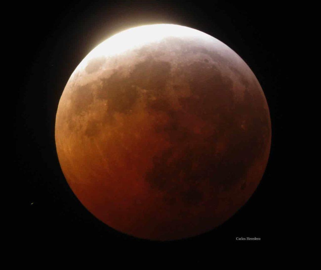 Cuál-es-la-luna-mas-grande-del-sistema-solar 2