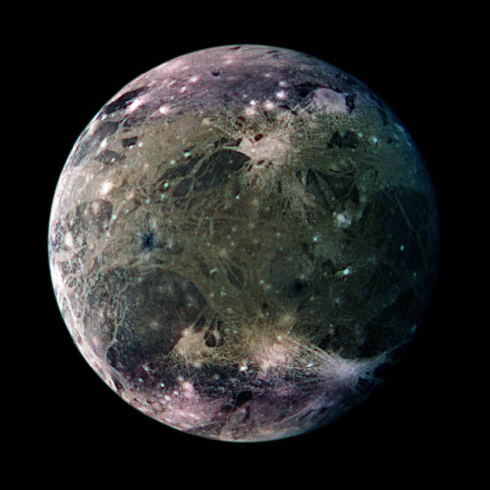 Cuál-es-la-luna-mas-grande-del-sistema-solar 8