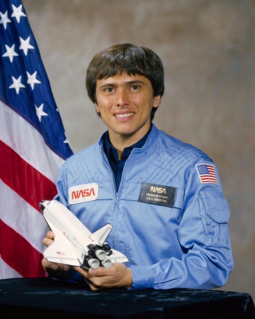 Astronauta latino destacado