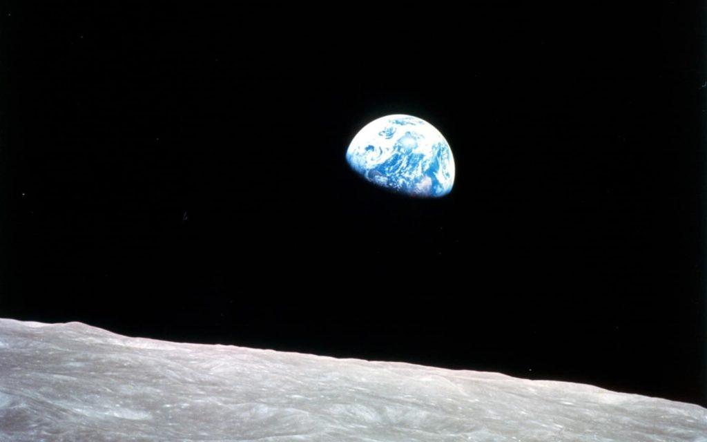 Por-qué-la-luna-no-cae-sobre-la-tierra 2