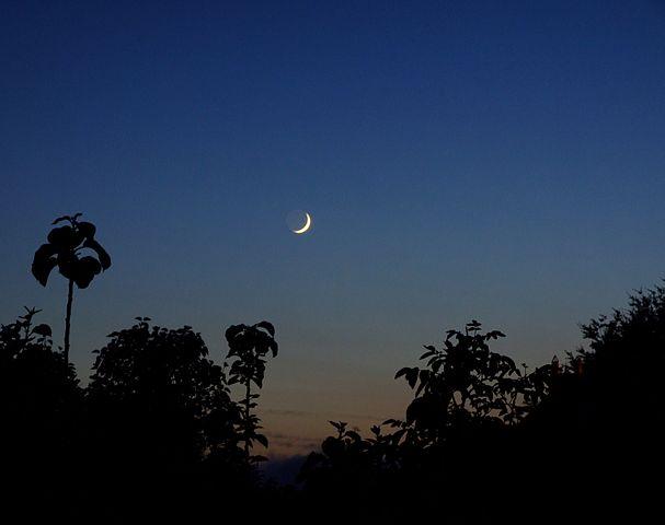 cómo es la luna creciente 6