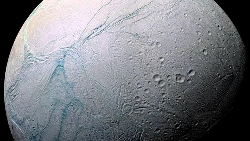 cuantas-lunas-tiene-saturno1