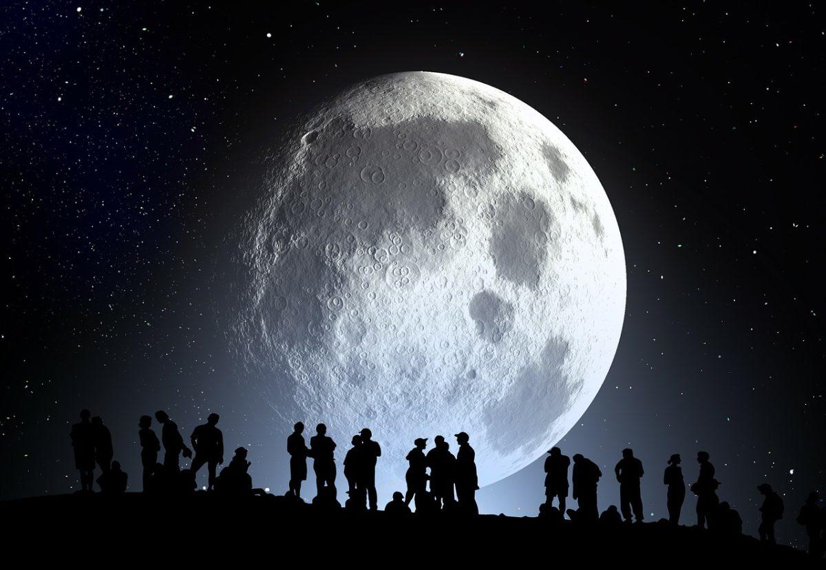 de qué está compuesta la luna