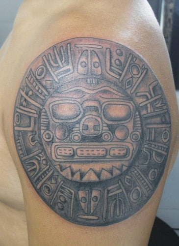 el-sol-en-tatuaje-23