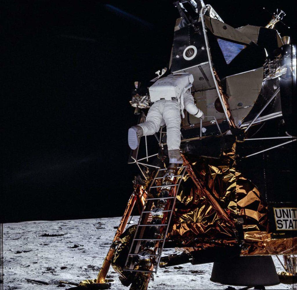 Astronauta en misión exitosa