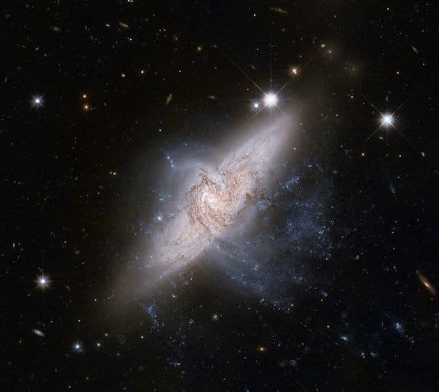 NGC3314 galaxias hermosas