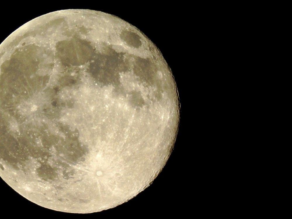 por-que-brilla-la-luna-3