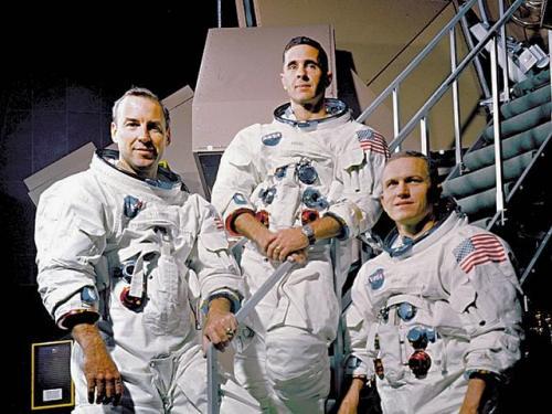 Quienes llegaron a la luna primero