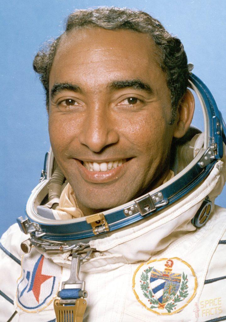 Primer latino astronauta