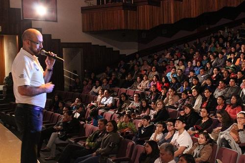 Rodolfo en conferencias en Cabo Calaveral