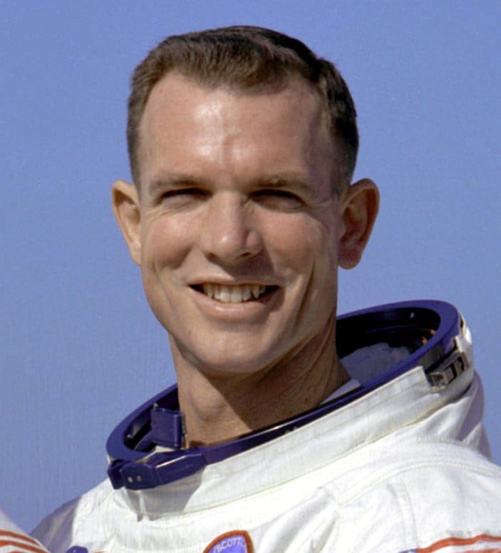 astronauta americano david scott