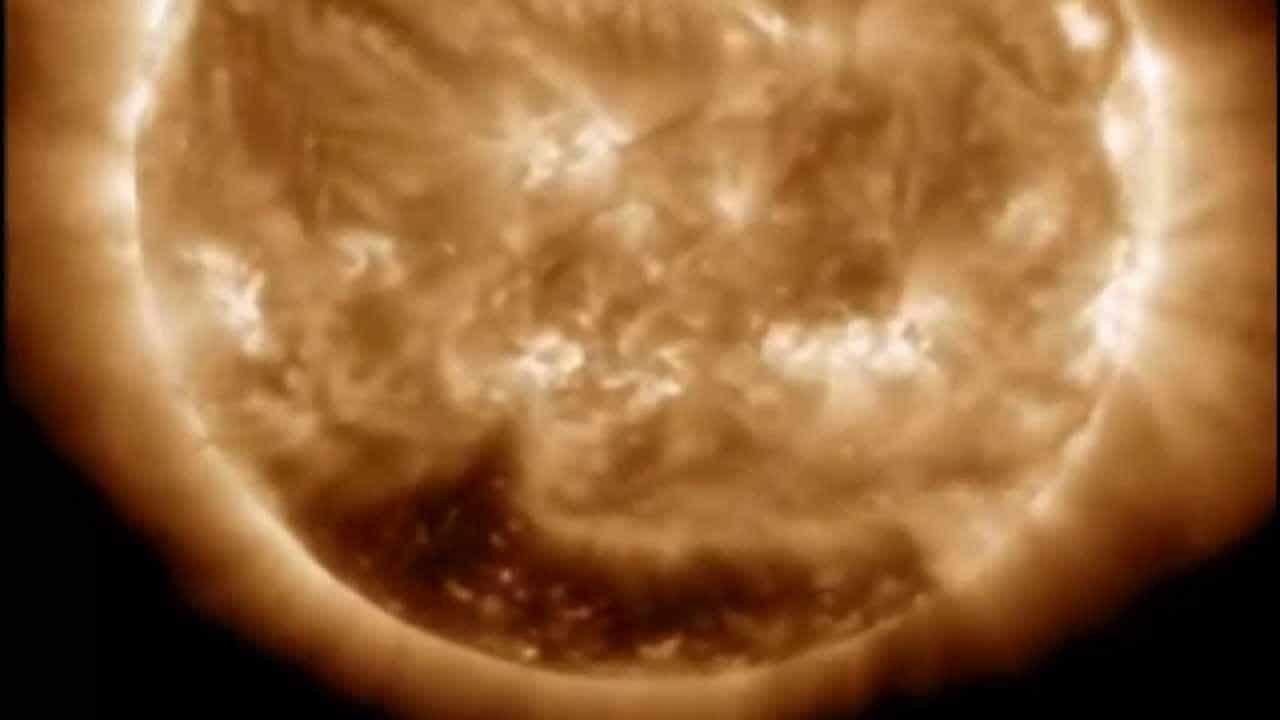 agujero-negro-en-el-sol4