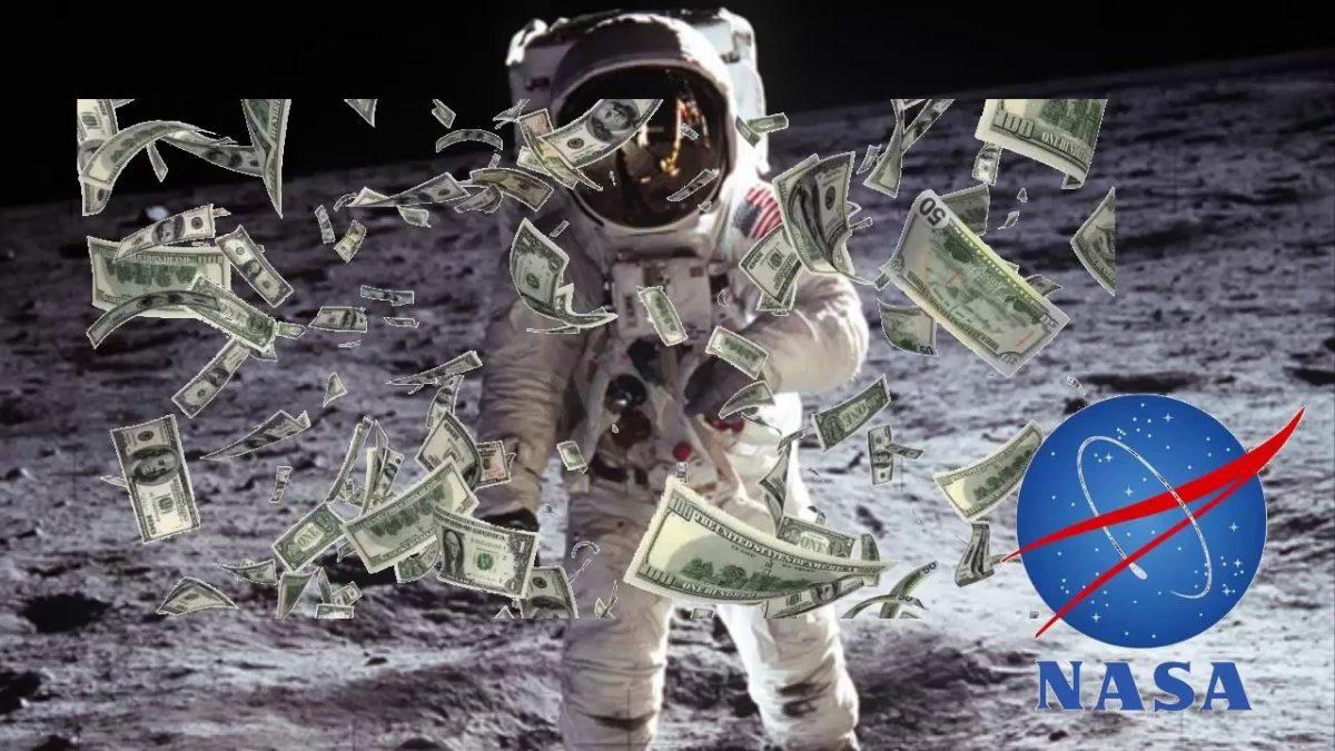 cuanto gana un astronauta