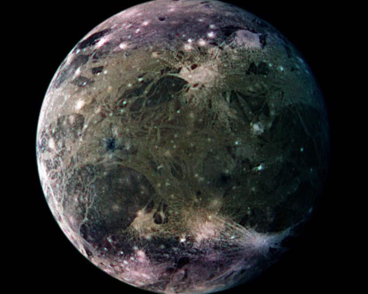 Qué planeta no tiene satélites y que planeta tiene más satélites o lunas-6