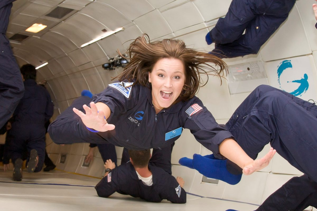 por-que-los-astronautas-flotan2