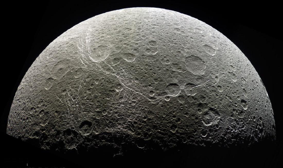 Satélite Dione